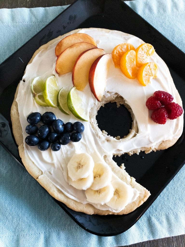 Image of Artist's Palette Fruit Pizza