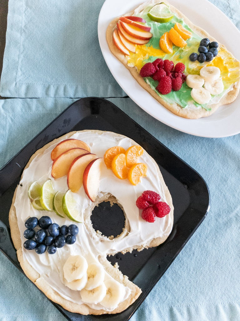 Image is of Art Work and Artist's Palette Fruit Pizzas